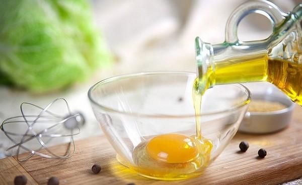 Маска для волос с луком, маслом и яйцом