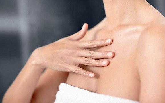 Прыщи на груди у женщин